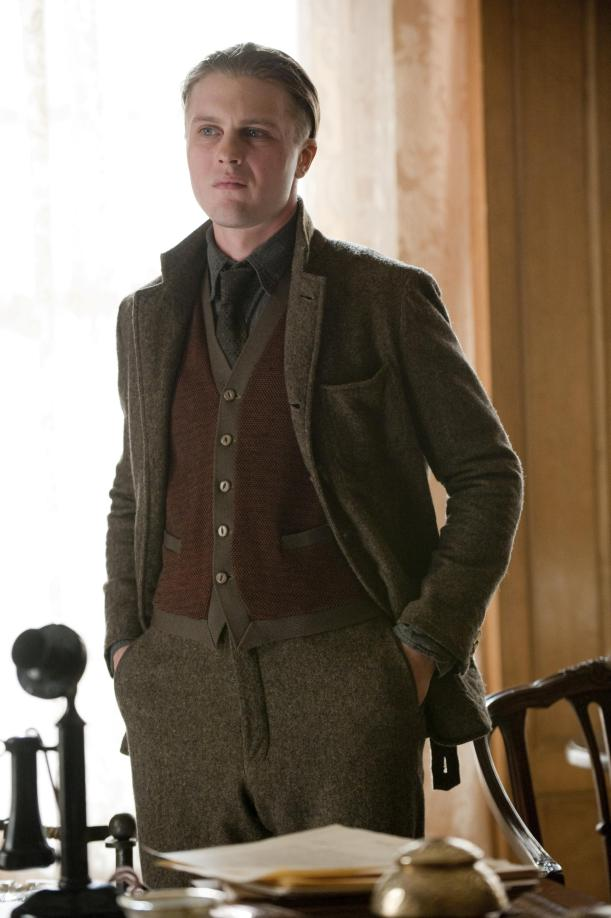 Men's fashion moved quickly away from wool but wool was still a fashionable choice and an essential staple in many wardrobes still- Michael Pitt as Jimmy Darmody before his rise as a gangster.