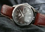 monsieur-buyers-guide-automatic-dress-watches-seiko5-SNX123.jpg