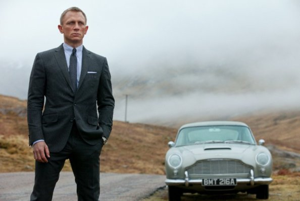 Daniel Craig with the DB5 in Skyfall. Image Source: Teamvv.com