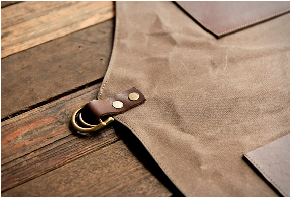 No shortage of details on this stylish TRVR apron.