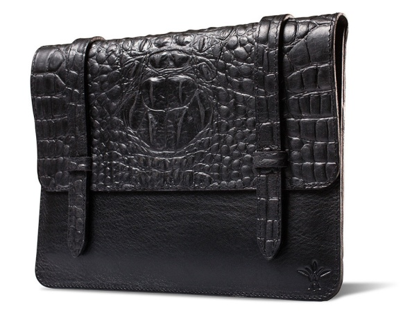 The Vichithong ash iPad case is made in Småland and the skin is a high quality leather from Italy.