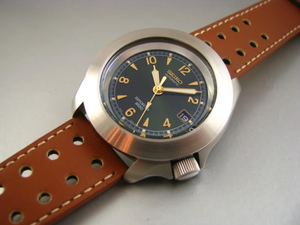 This isn't a Seiko 5 but rather part of Seiko's Prestige line just a tier below Grand Seikos. The applied indices here inspired by vintage dials and can also be found in a similar configuration of the Baume & Mercier Clifton collection. Matthew Humphries should look to producing dials of this quality for his next project.