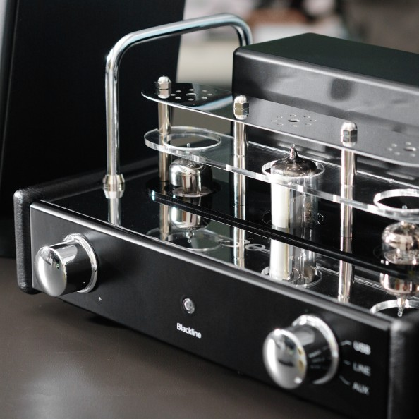 5 Things you need for a Stylish Man Cave - V30 Hybrid Tube Amplifier 2
