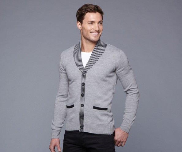 how to dress stylishly men - preppy style cardigan