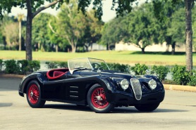 Jaguar XK120- The Reason Why Vintage Cars are Worth it 4